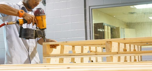 assembly-of-wood-pallets-big