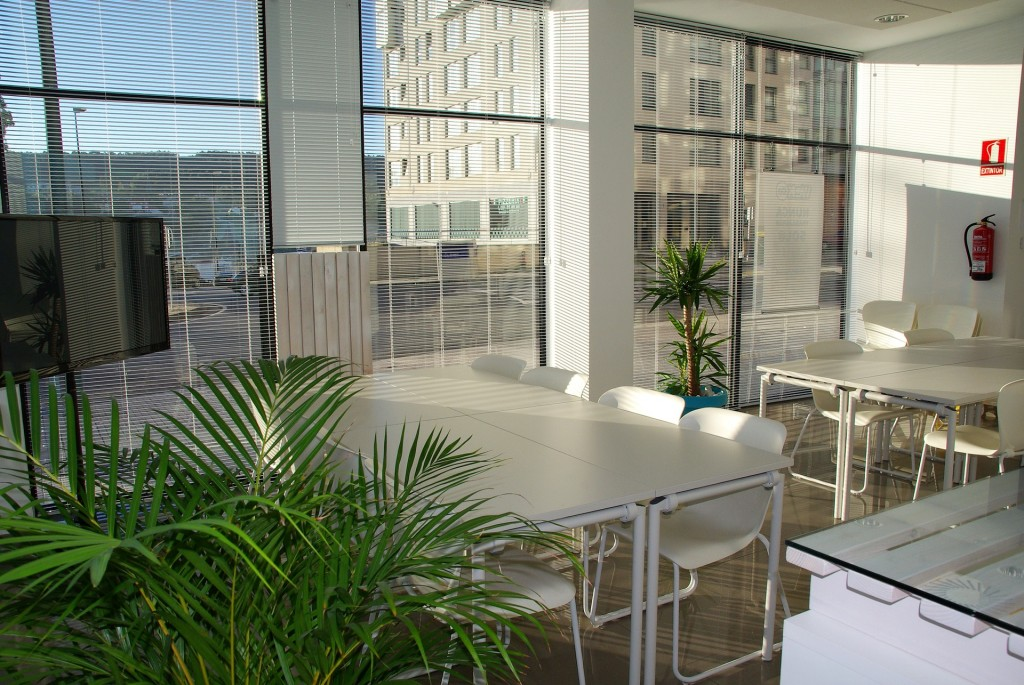 office-space-1744801_1920-1